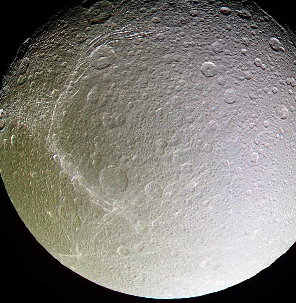 Картинка спутники сатурна