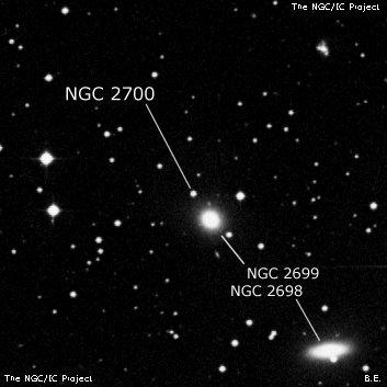 NGC 2700